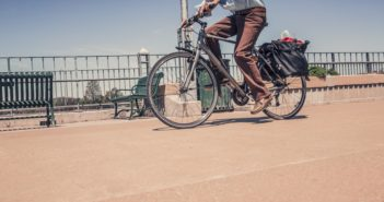 Health benefits walking cycling outweigh air pollution